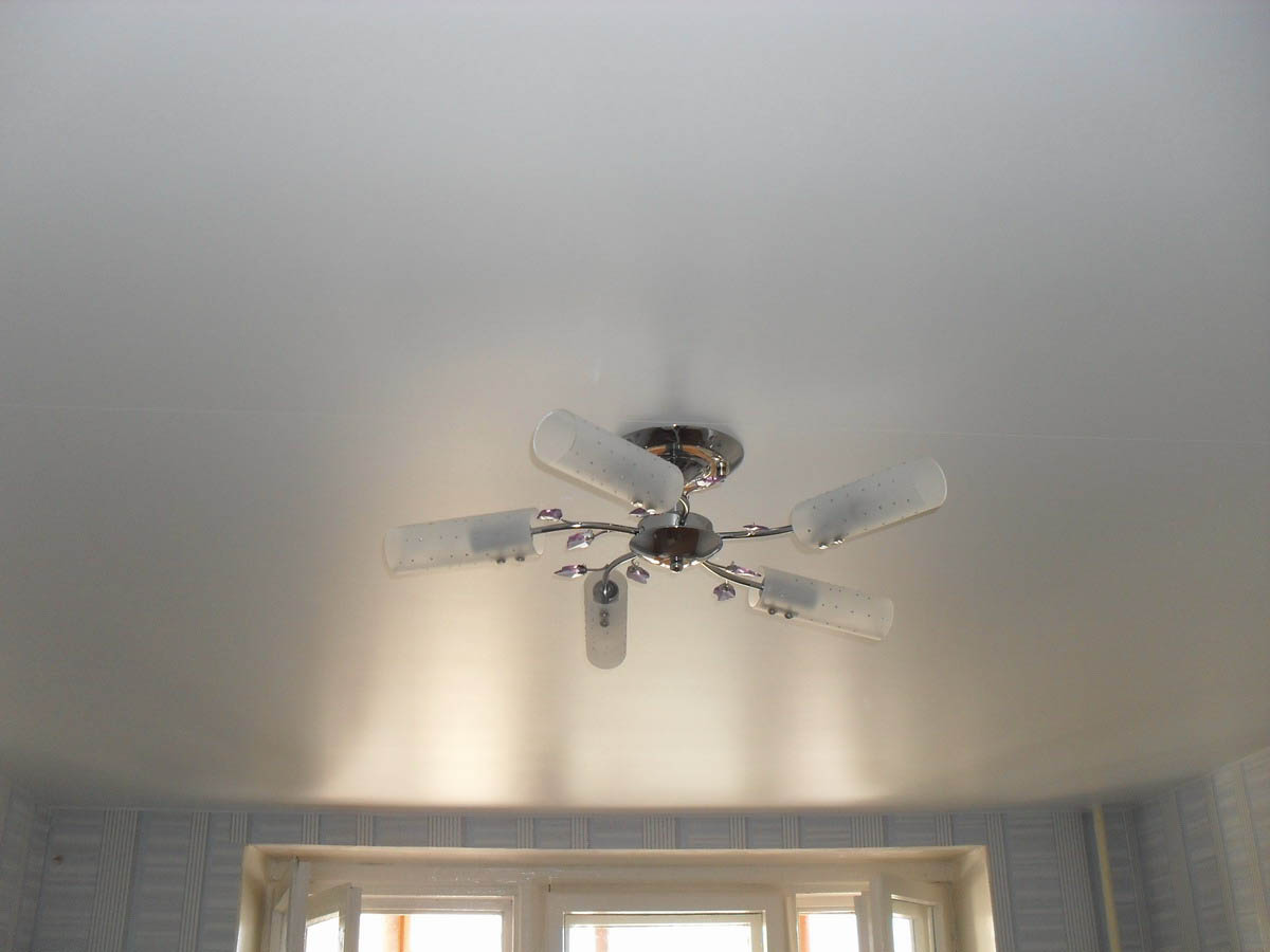 кого сатиновый натяжной потолок фото белый накуренная ученица людочка