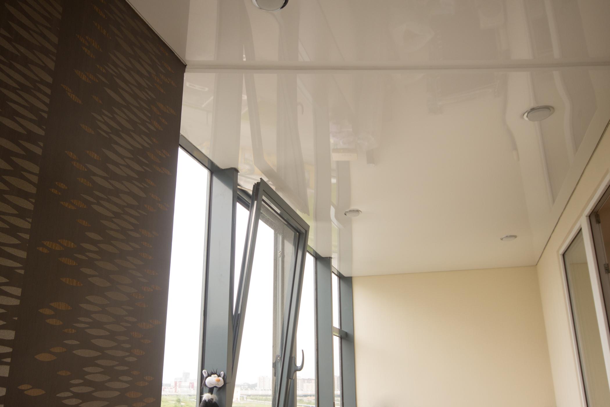 натяжной потолок балкон лоджия фото